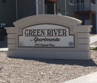 green river apartments sign