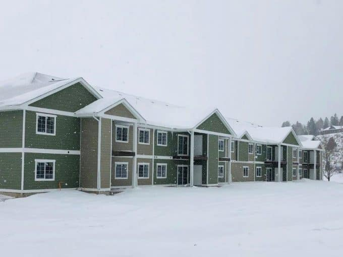 alpine park apartments image